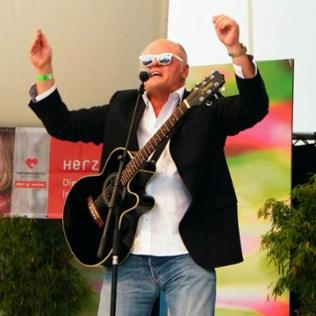 "Conny Conrad & Friends singen ""Rock for your children"" - den Benefizsong für Kinderrechte - und mehr aus Rock & Pop"