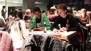 Teffen der internationalen Studenten in den Donauhallen, am 17.10.2012
