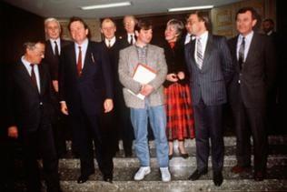 Die Vereidigung Joschka Fischers im Dezember 1985