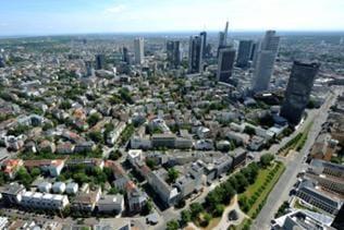 Blick vom Messeturm auf den Stadtteil Westend von Frankfurt am Main