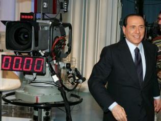 Silvio Berlusconi baute sich ein Medienmonopol in Italien auf.