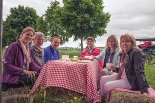 SWR-Landfrauen bei Kaffee und Kuchen mit Oliver Müller im Hunsrück