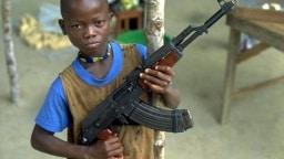 Kindersoldat in Sierra Leone (Archivbild 1998)