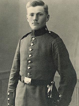 Foto von Andreas Bückle in Uniform um 1909