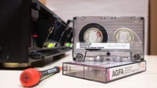 Kompaktkassette zur Einstellung der Tonkopf-Position im Kassettenrekorder