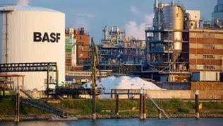 Teile des BASF Stammwerks in Ludwigshafen.