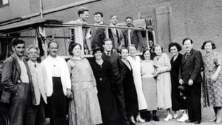 Gruppe von Zeugen Jehovas in Konstanz, ganz rechts steht Berta Maurer