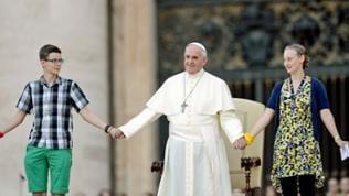 Ohne Berührungsängste: Papst Franziskus