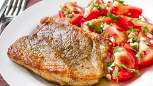 Steak mit Tomaten
