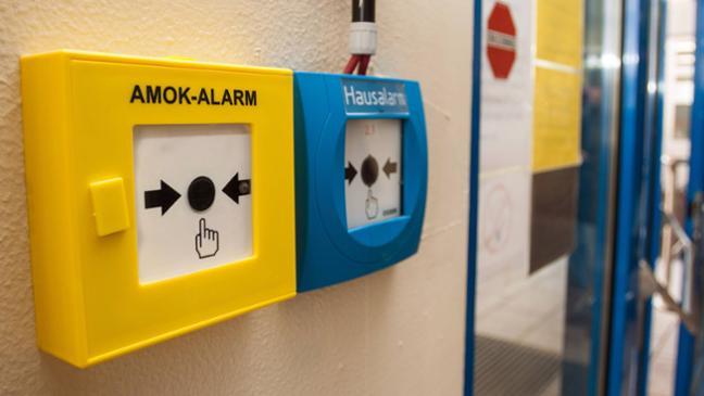 Deutsche Polizei sucht nach Amokalarm an Schule nach Verdächtigem
