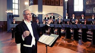 Dirigent Marcus Creed und das SWR Vokalensemble Stuttgart
