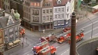 Ein Highlight ist der inszenierte Brand eines Wohnhauses.
