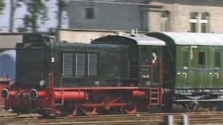 Im Pendelverkehr unterwegs für die Geburtstagsgäste: Diesellok V 36 406