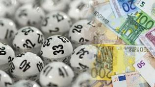 Lotto Kugeln und viel Geld