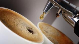 Eine Espressomaschine.