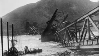 Eingestürzte Brücke von Remagen, 1945