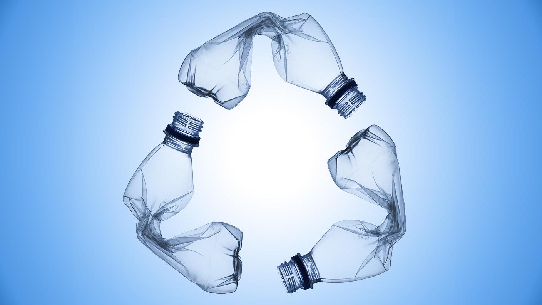 Recycling design flasche  Recycling - Wenn Plastikflaschen zu Fleecejacken werden ...