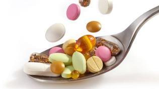 Medikamenten auf Löffel