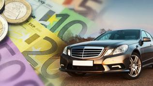 Eine Limousine daneben Geld