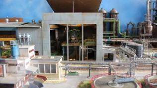 Gerd Otto: Stahlwerk im Ruhrgebiet; Maßstab: 1:87; Spur: H0; Die Bauzeit der Anlage betrug etwa zwei Jahre.