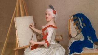 Prinzessin Karoline Luise sitzt an der Staffelei. In der rechten Hand einen Stift, in der linken einen Zeichenstock.