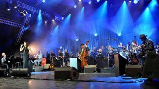 07-11 Zaz & SWR Big Band Kuper
