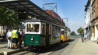 In Nordhausen können die Reiseteilnehmer mit Historischen Straßenbahnen eine Stadtrundfahrt machen.