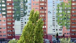 Fassade eines Wohnhauses in Berlin im Bezirk Lichtenberg