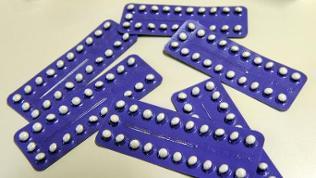 Antibabypillen in blauer Verpackung