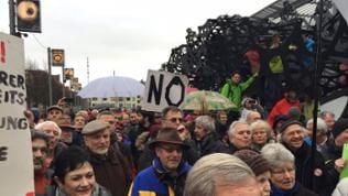 Demonstrationszug mit hinderten Teilnehmern