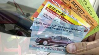 Bunte Autohändler-Visitenkärtchen