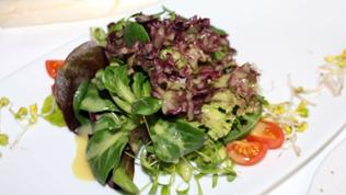 Blattsalate mit Dressing