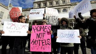 Demonstration gegen Mietpreissteigerungen durch airbnb in New York im Januar 2015