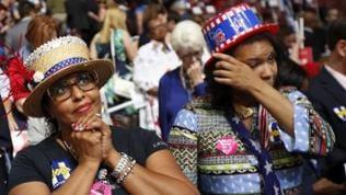 Emotionale Reaktionen beim Auftritt von Präsidentschaftskandidatin Hillary Clinton.