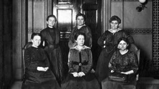 Weibliche Stadtverordnete in Berlin, 1919: Martha Hoppe, Helene Schmitz, Martha Wygodzinski, Martha Shiroa, Liesbeth Riedger, Anna Kulicke