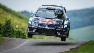 Sebastien Ogier mit seinen VW bei der ADAC Rallye 2016
