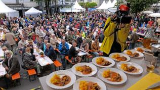 Essen und Gäste