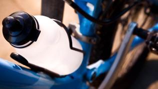 Wasserflasche in Fahrradhalterung