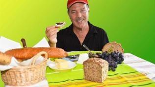 Montage: Michael Branik mit Brot
