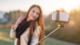Benutzung eines Selfie-Sticks.