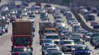 Vorbild USA? Wie Kalifornien die Autoindustrie zu sauberen Autos zwingt.