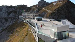 Pilatus Bergstation mit Kulm Hotel