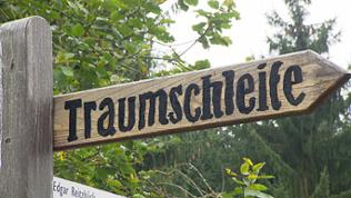 """Schild """"Traumschleife"""""""