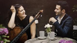 Cellistin Janina Ruh und Pianist Boris Kusnezow