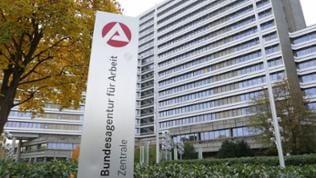 Die Zentrale der Bundesagentur für Arbeit in Nürnberg von außen.