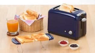 Toaster auf Frühstückstisch