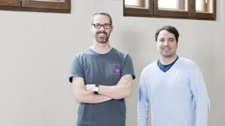 "Nicolas Ritouet und Karan Dehghani vom Projekt ""CodeDoor"""