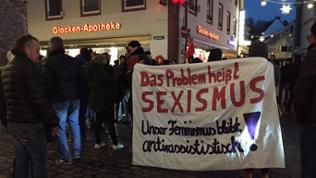 Demonstration mit Banner