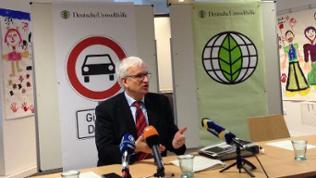 Jürgen Resch bei der Pressekonferenz der Deutschen Umwelthilfe.