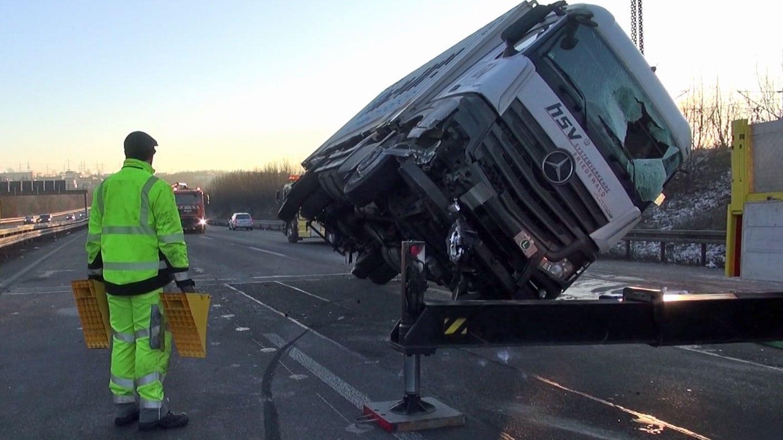 Unfall Lkw Auf A3 Geborgen A3 Bei Diez Wieder Frei Koblenz Swr
